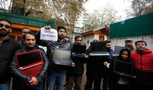 Kashmiri journalists protest against the ongoing internet blockade. Srinagar, Kashmir, India.  12 November 2019.  Editorial credit: FAROOQ KHAN/​EPA-EFE/​Shutterstock.com