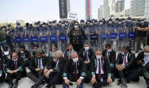 Turkish Lawyers Protest