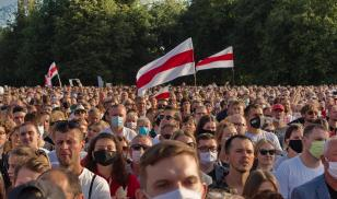 Belarusian people flocked to attend a pre-election rally for opposition candidate Svetlana Tikhanovskaya in Minsk in July 2020. Credit:  Svetlana Turchenick/Shutterstock.com.